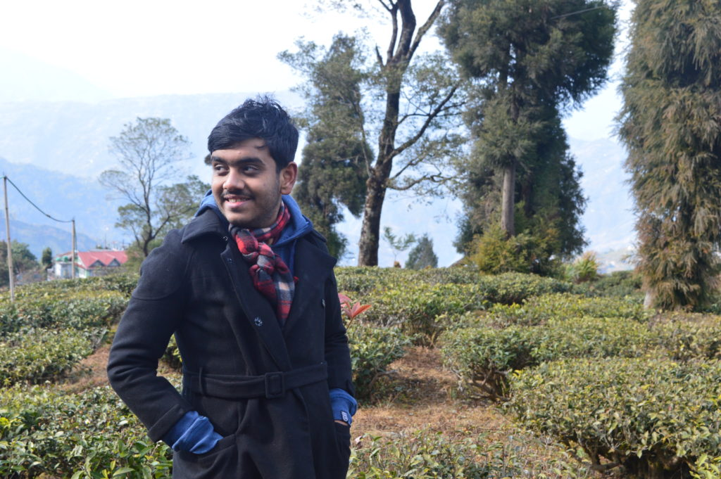 @foodicted.fellow's cover photo for 'Darjeeling Tea Garden: A Treat for Chaivinists #SuperBloggerChallenge #InstaCuppa - Tailor your life with Aritro'