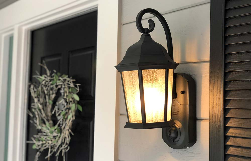 @costcoinsider's cover photo for 'Maximus Smart Security Light Review'