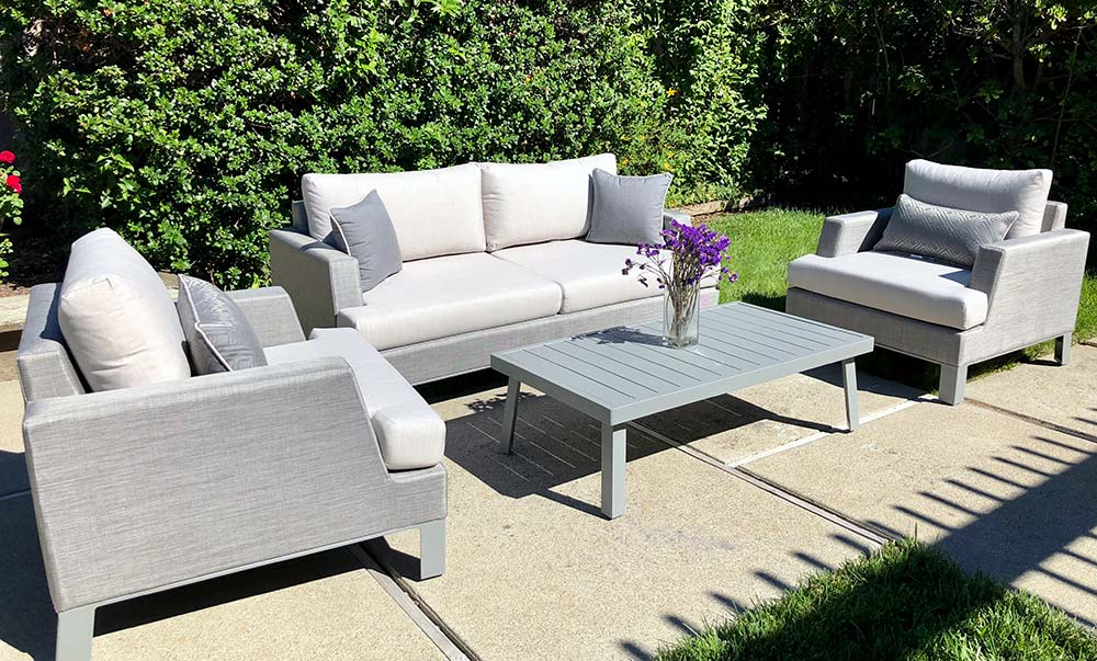 @costcoinsider's cover photo for 'Portofino Modern Sling 4-piece Seating Set Review'