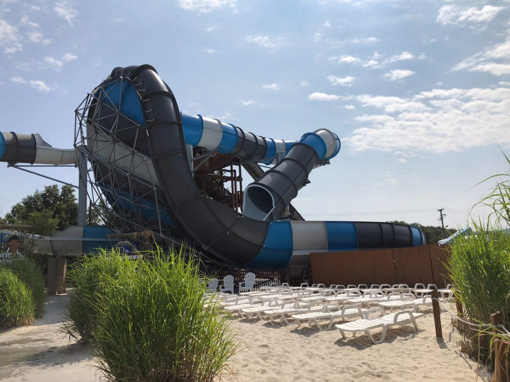 @dqfamilytravel's cover photo for 'SplashDown Waterpark: What to Know Before You Go - DQ Family Travel'