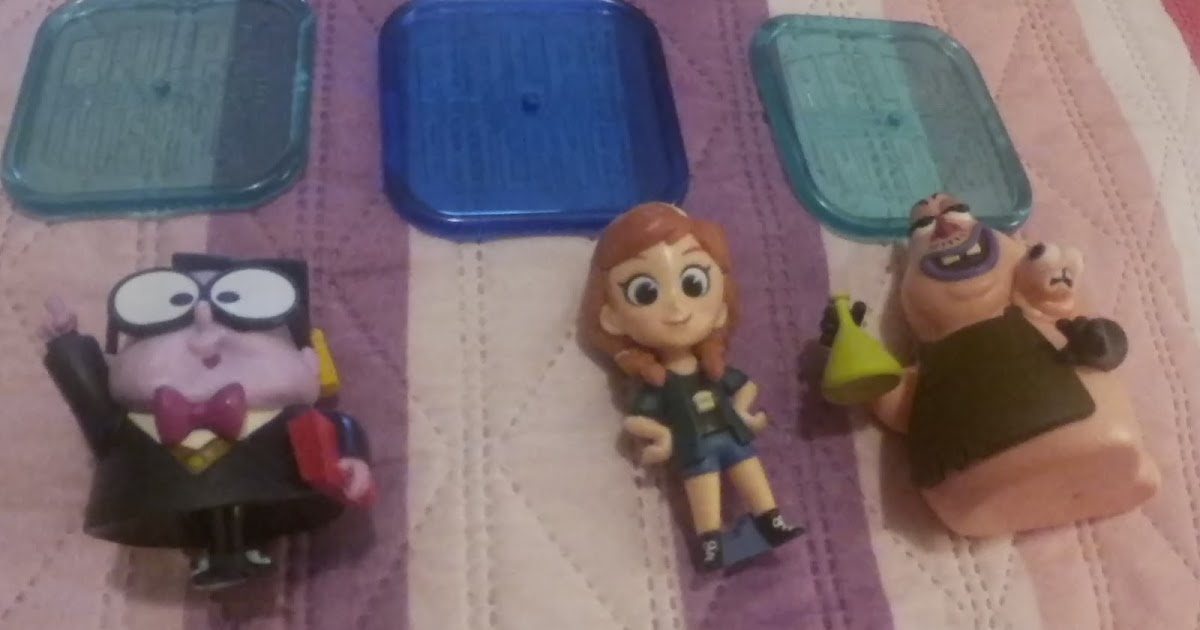 @debrasworldreviews's cover photo for 'Tamagotchi and Wreck it Ralph Toys'