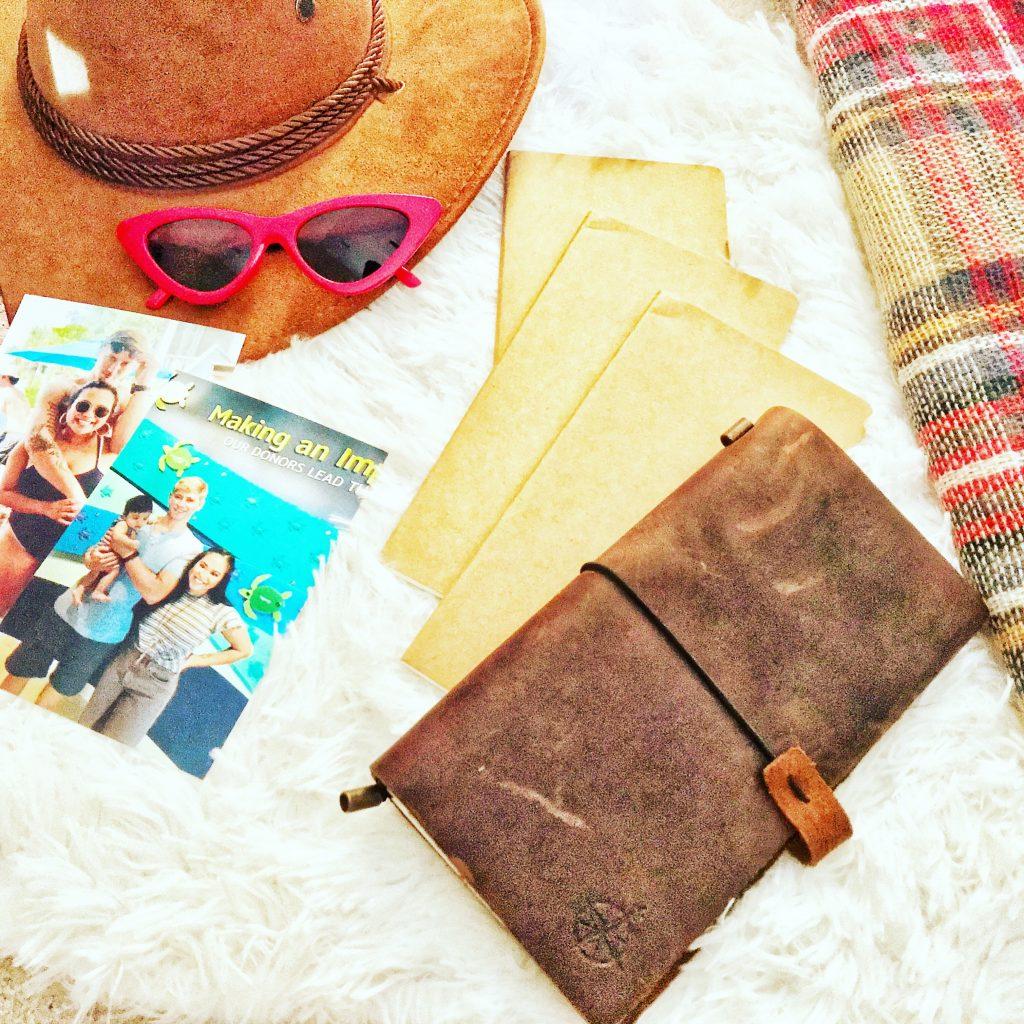 @hoangviton's cover photo for 'Leather Handmade Journals – Beauty Foody Mom'