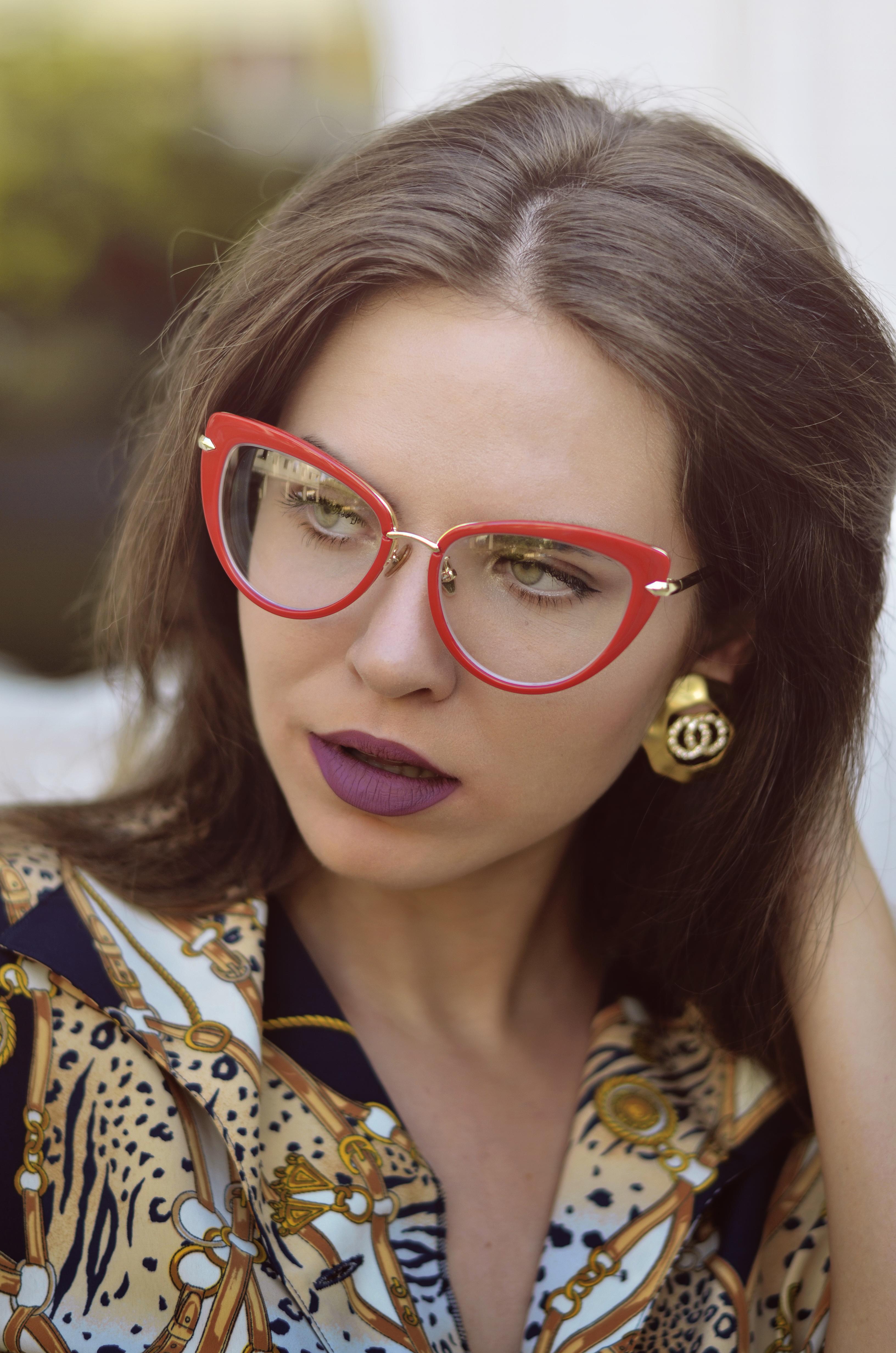 @tatianatff.ro's cover photo for 'Despre ochelarii de vedere, între necesitate și plăcere'
