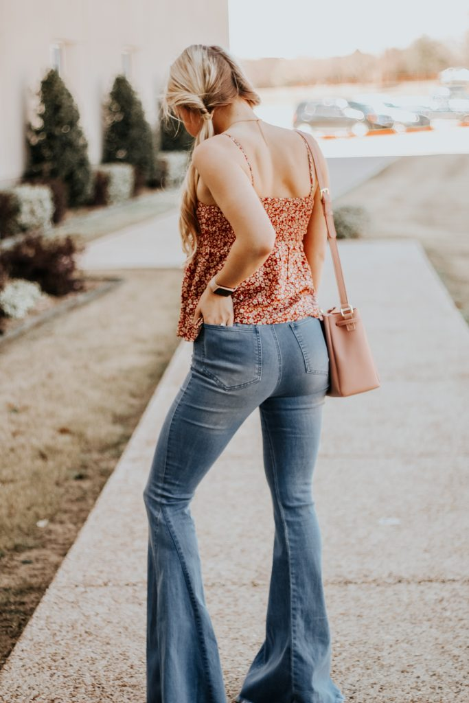 @theglamorousblonde_'s cover photo for 'How to Style: Flare Jeans | The Glamorous Blonde'