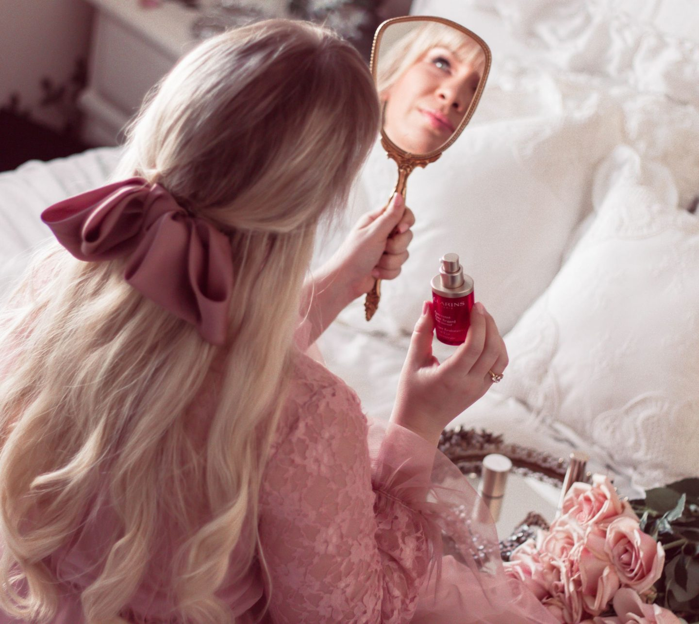 @lizzieinlace's cover photo for '4 Simple Tips for Younger Looking Eyes | Lizzie In Lace'