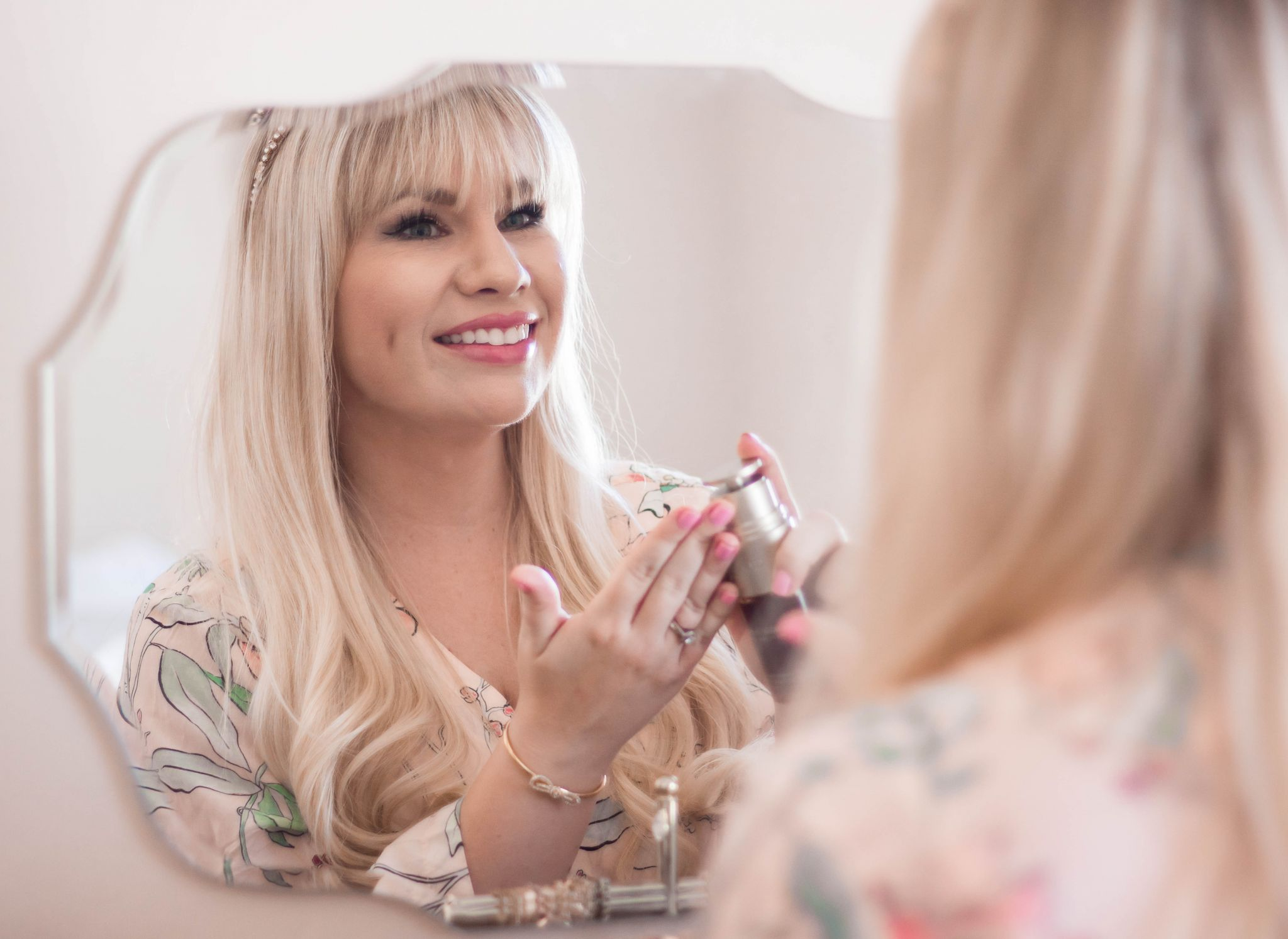 @lizzieinlace's cover photo for 'Clarins 7 Day Double Serum Challenge | Lizzie In Lace'