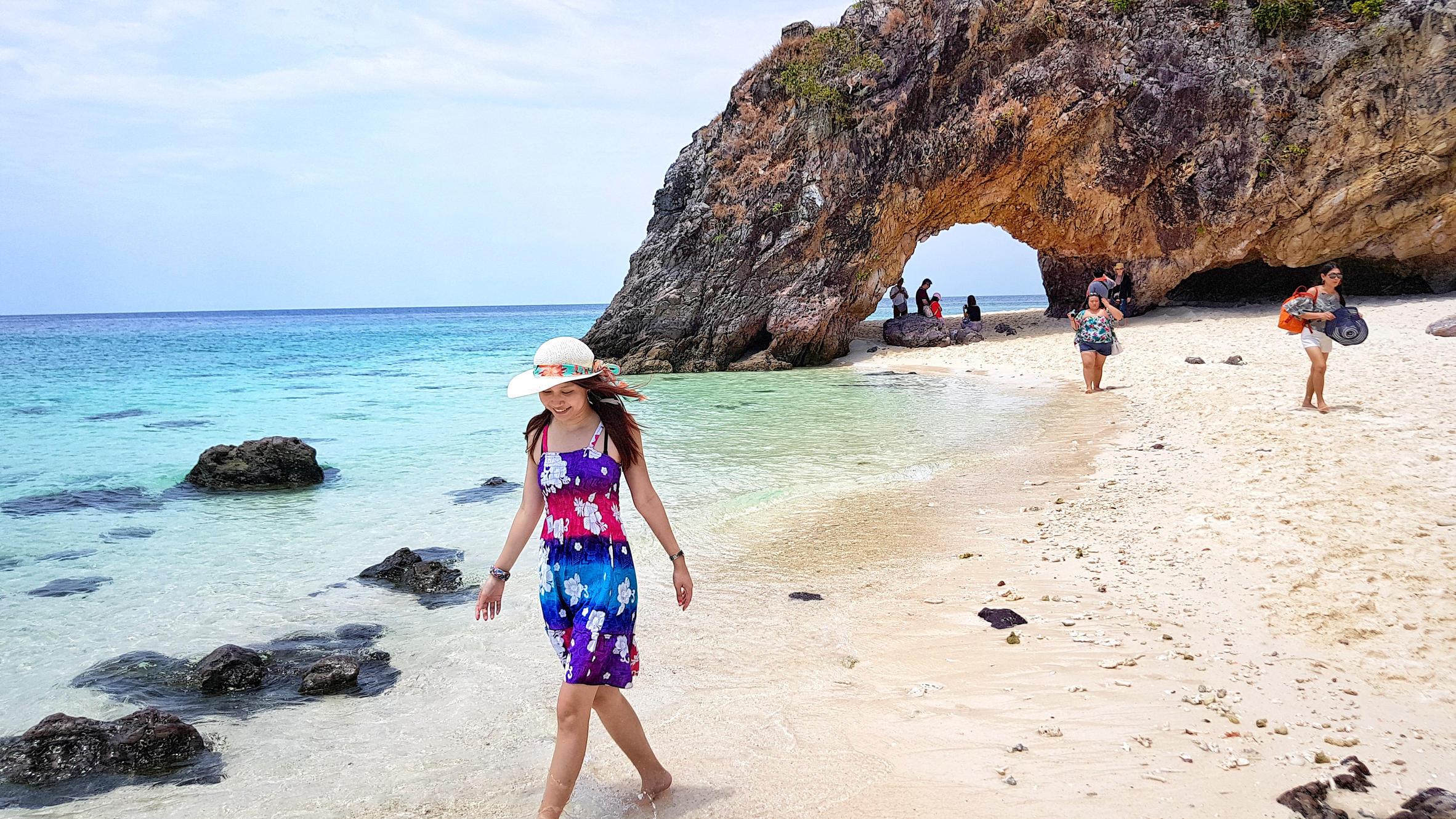 @shiki_shiki_shiki's cover photo for 'ALL POSTS | Shiki Adventures | Travel Inspirations, Deals and more.'