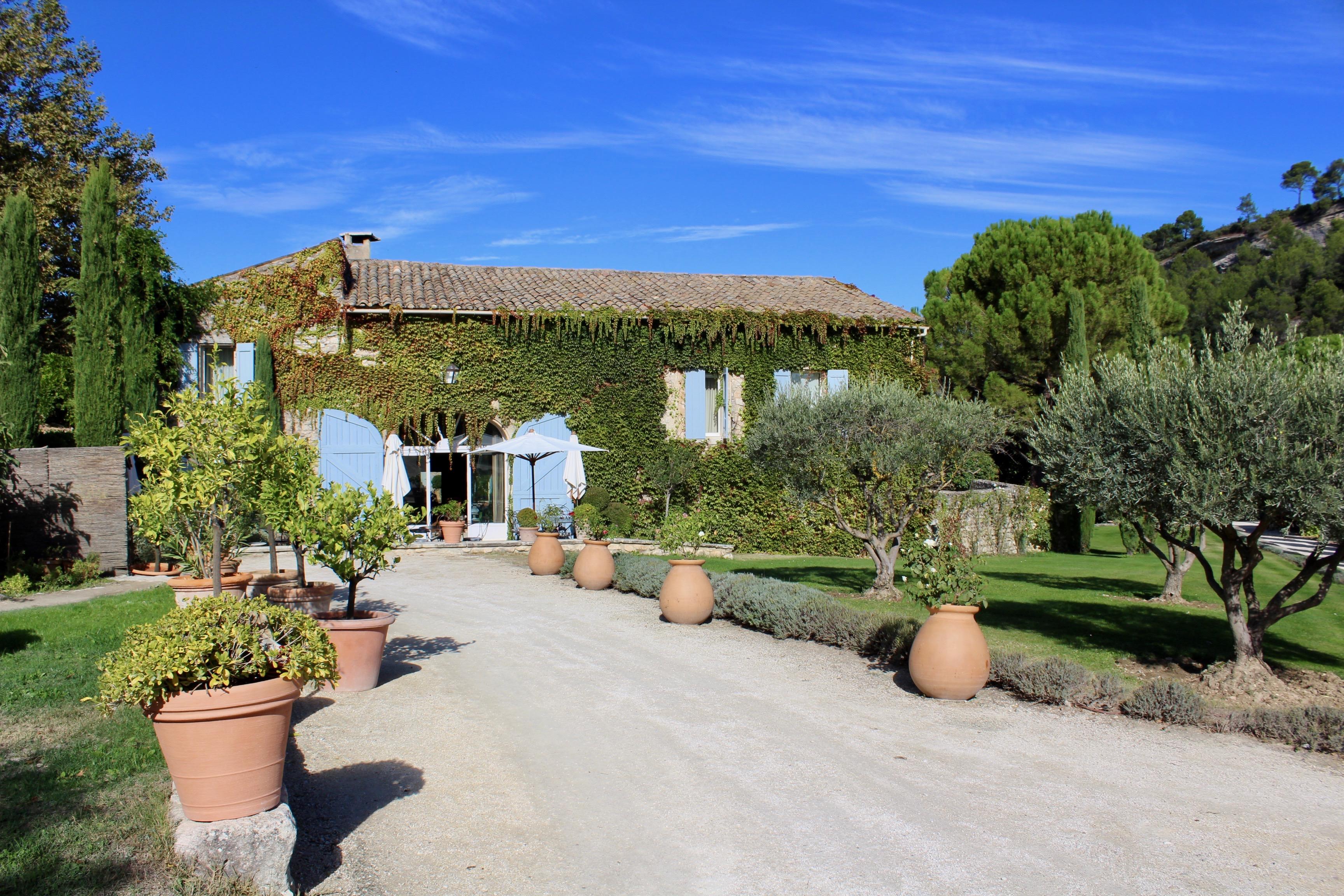 @tenesommer's cover photo for 'Provence Holiday #6: Romantic La Bastide de Marie Vineyard Hotel | Marbella Blog by Tene Sommer'
