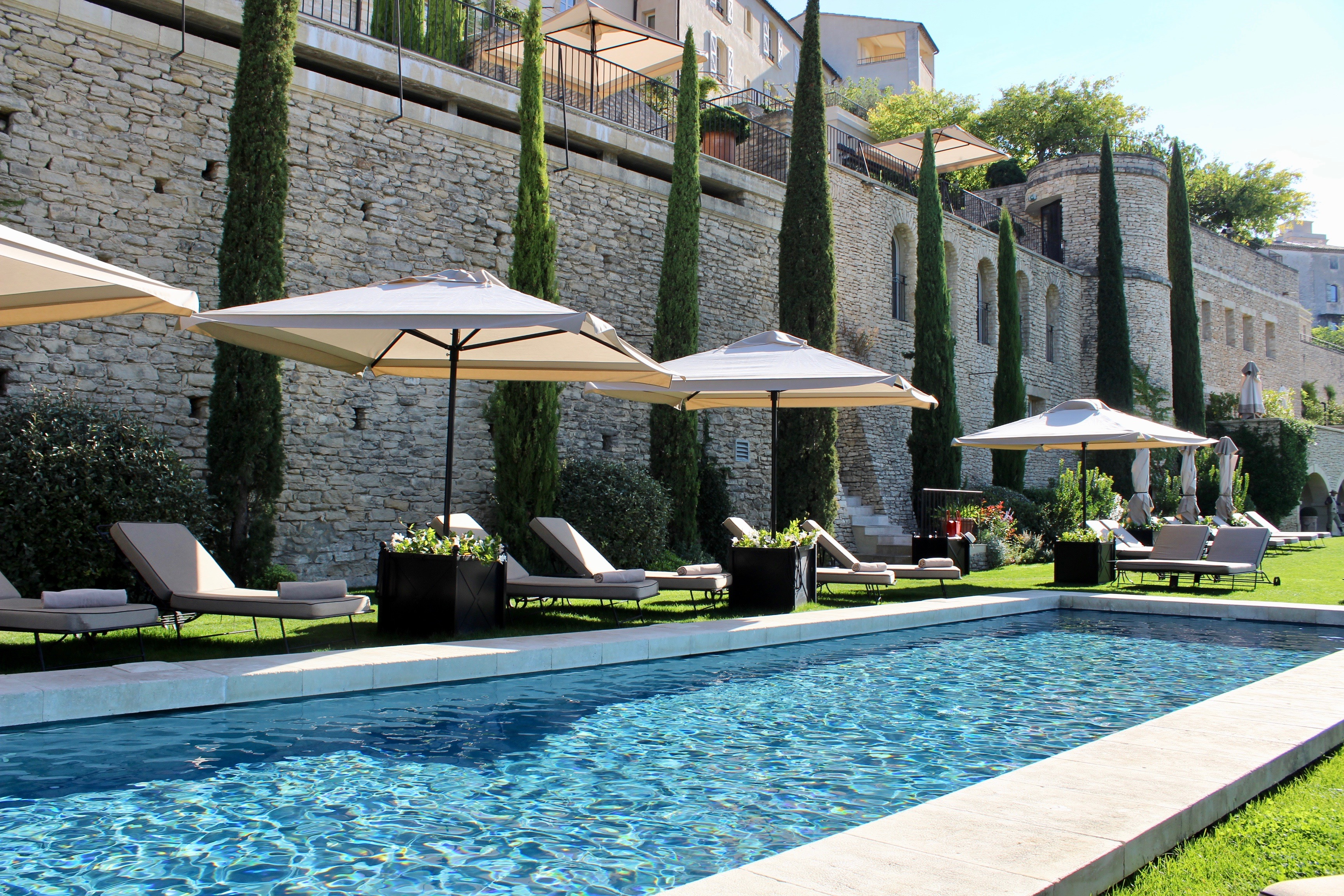 @tenesommer's cover photo for 'Provence Holiday #2: Lunch & Afternoon by the Pool at La Bastide de Go | Marbella Blog by Tene Sommer'