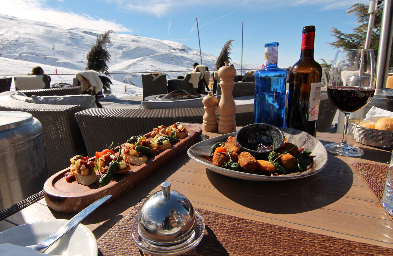 @tenesommer's cover photo for 'Lunch at Hotel El Lodge, Sierra Nevada | Marbella Blog by Tene Sommer'