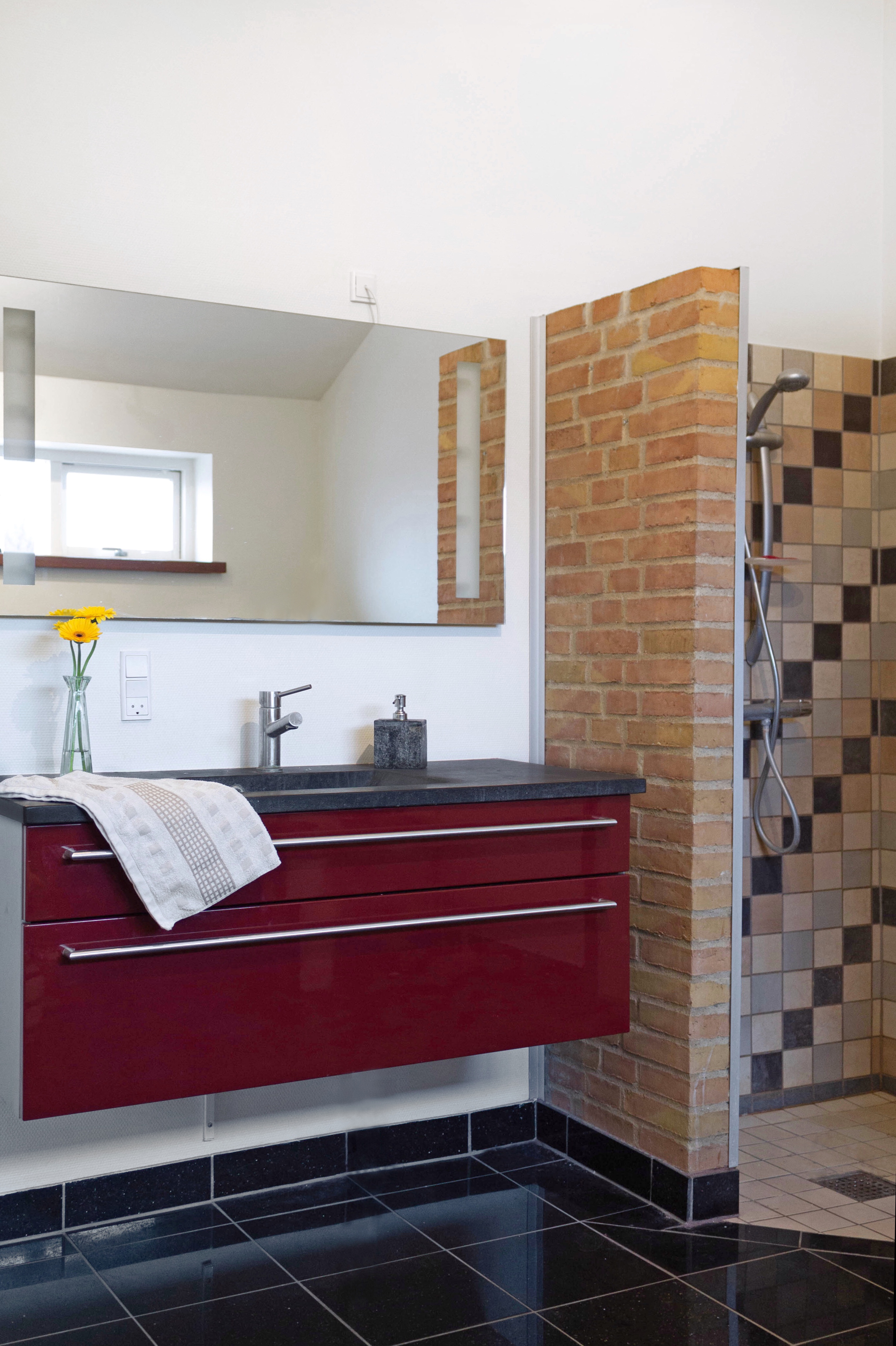 @lacasadefreja's cover photo for 'Our master bathroom - La casa de Freja'