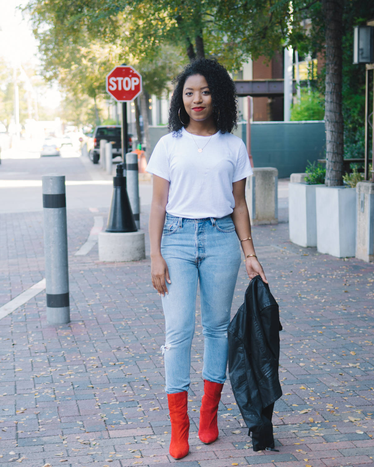@ventifashion's cover photo for 'Rethink Your Wardrobe Staples with Re/Done | Venti Fashion'