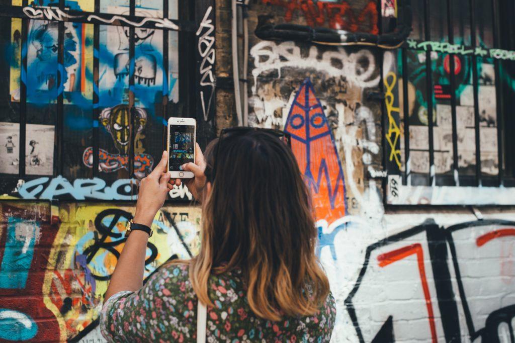 @contoseencontross's cover photo for 'Como ter internet no exterior? - Contos e Encontros'