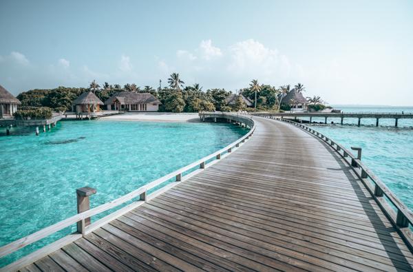 @voyagerguru's cover photo for 'Hotel Review: Milaidhoo Island Maldives Luxury Resort'