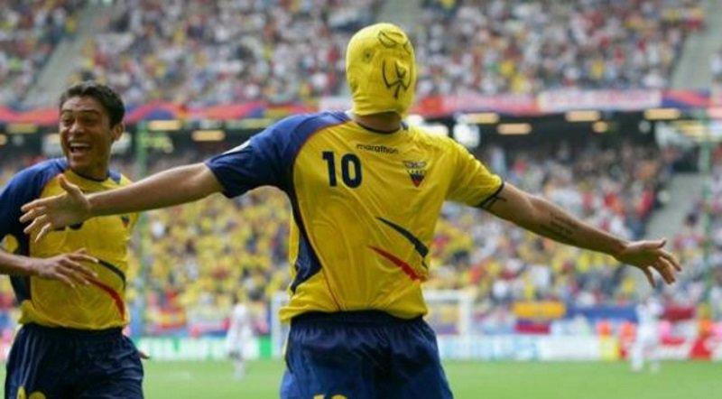@humbertorames's cover photo for '¿Quiénes son los mejores futbolistas ecuatorianos en la historia?'