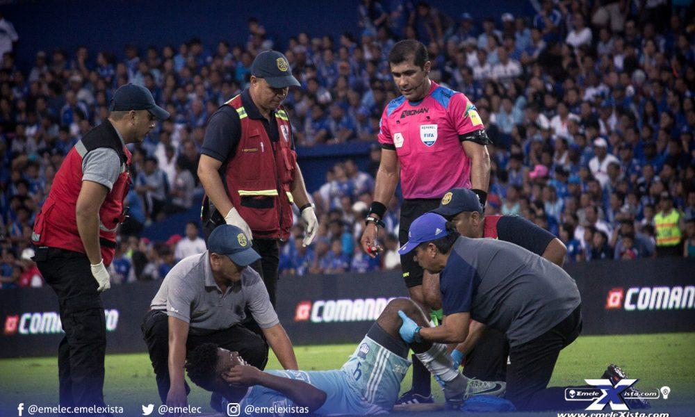 @humbertorames's cover photo for 'Férulas, ¿se permiten en el fútbol?'