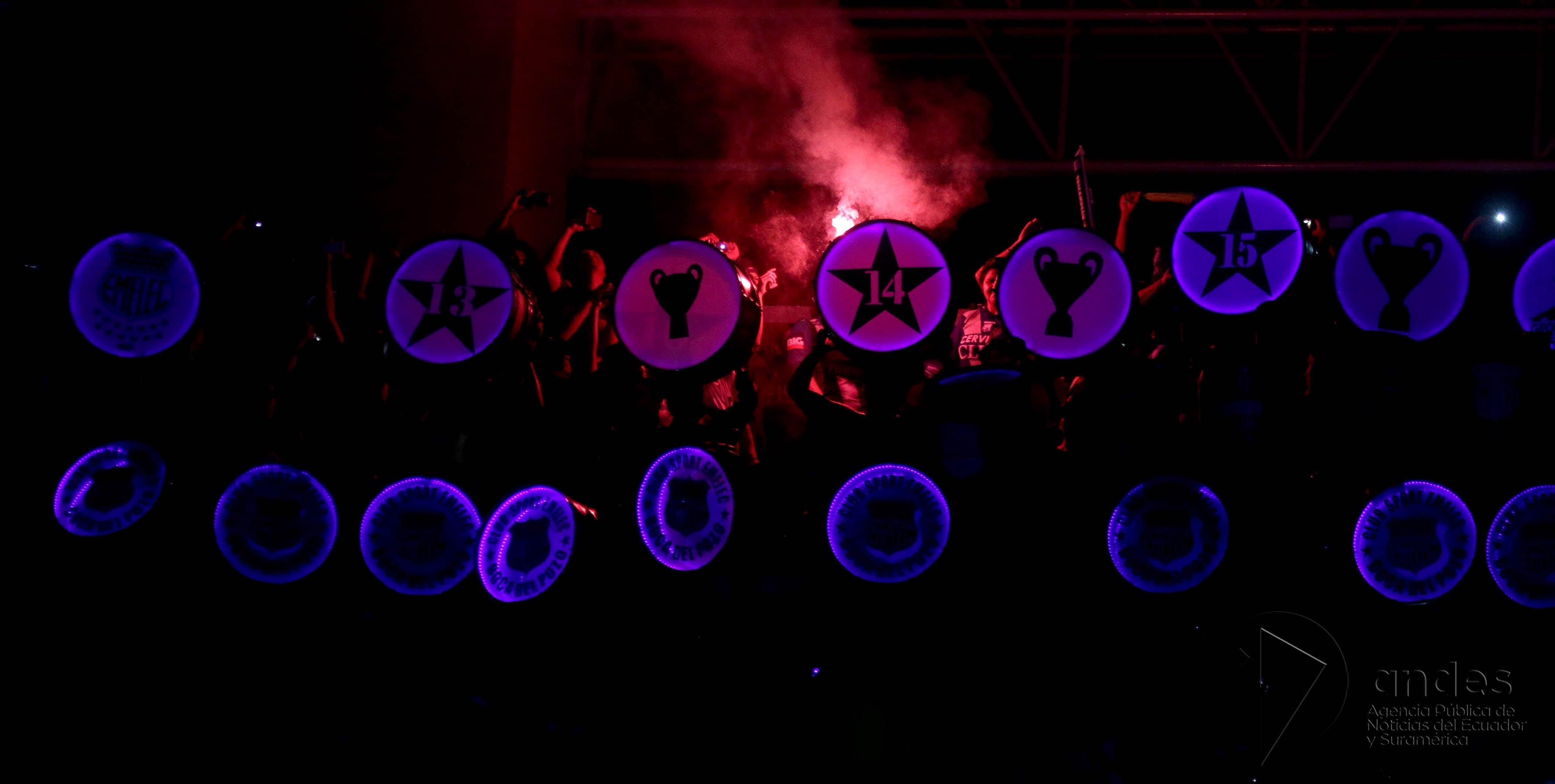 @humbertorames's cover photo for 'La Caldera lista para la Explosión Azul'