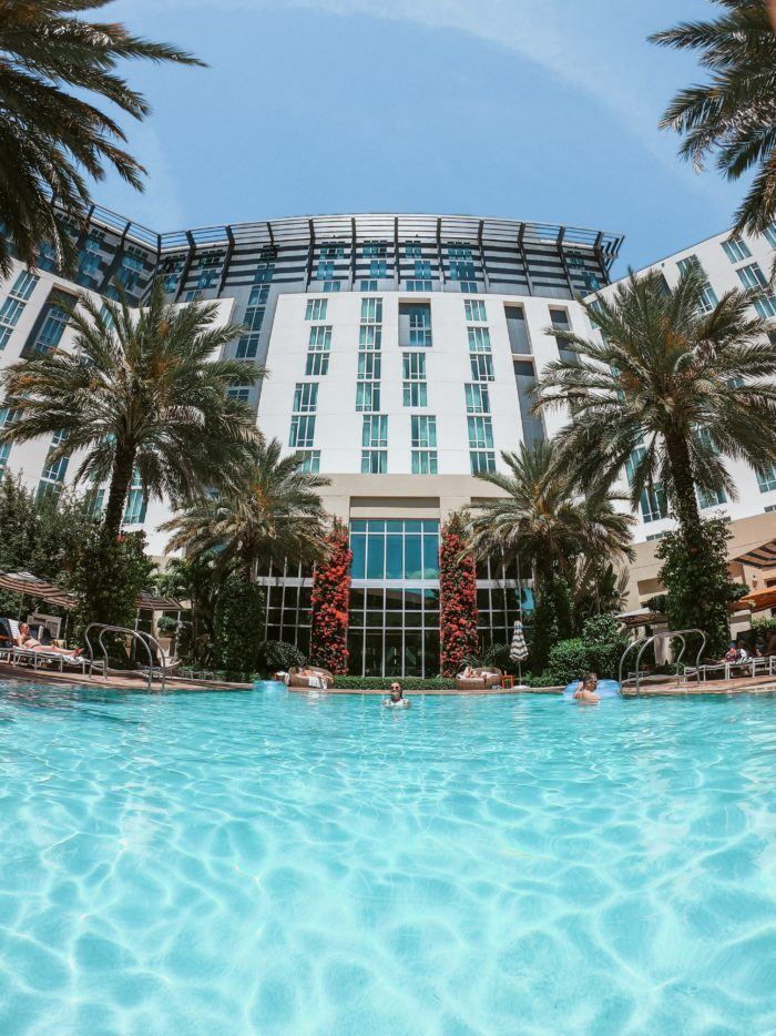@profissaoturista's cover photo for 'Hilton West Palm Beach: Seu hotel em The Palm Beaches | Flórida, EUA'