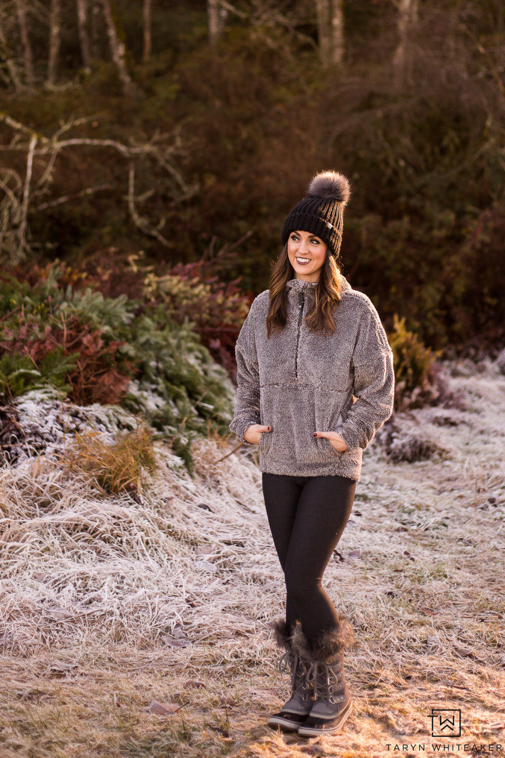 @tarynwhiteaker_designs's cover photo for 'Bundle Up In These Cozy Winter Fashion Finds - Taryn Whiteaker'