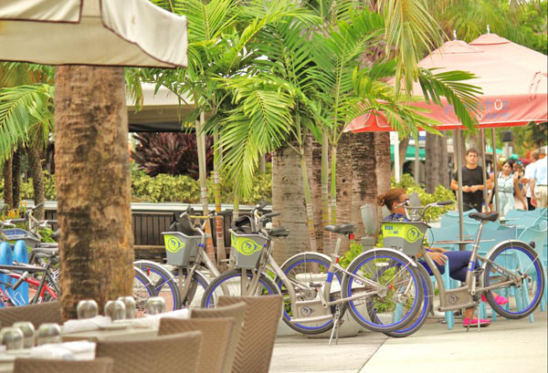 @turistaenmiami's cover photo for 'Novedoso alquiler de bicicletas en Miami Beach - Turista en Miami'