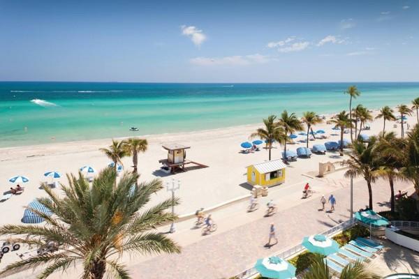 @turistaenmiami's cover photo for 'Hollywood Beach, la playa vecina que podrías visitar - Turista en Miami'