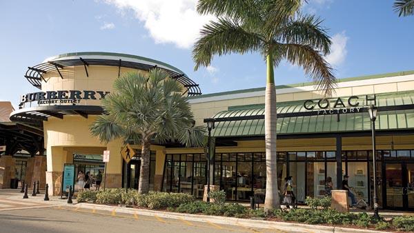 @turistaenmiami's cover photo for '¿Son buenas las ofertas del Sawgrass Mall? - Turista en Miami'