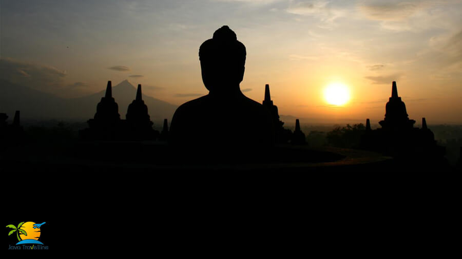 @bromo_ijen_tour's cover photo for 'Borobudur Sunrise Tour; the Natural Luxury in a Serene View'