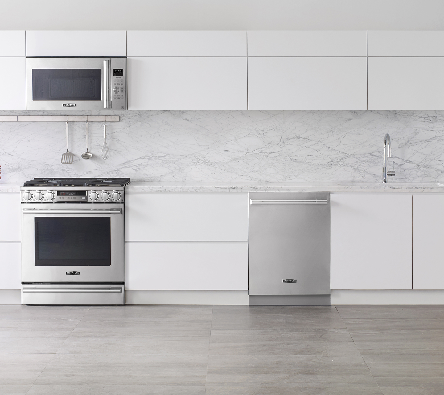 @dvdinteriordesign's cover photo for 'Kitchen Update : Signature Kitchen Suite Appliances  — dvd Interior Design'