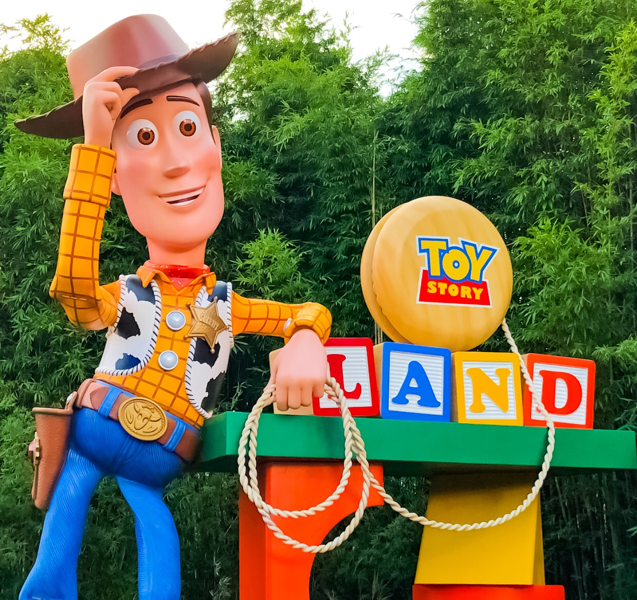 @mommyhoodlife's cover photo for 'Guide to Disney World's Toy Story Land at Hollywood Studios'