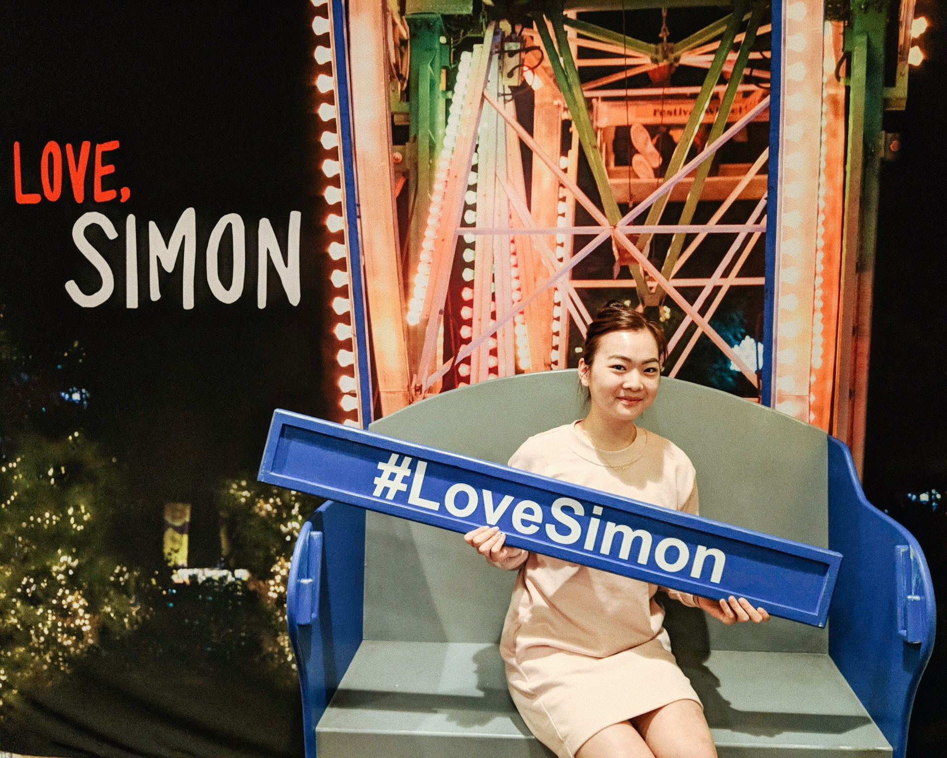 @twirlingpages's cover photo for 'LOVE, SIMON – Review + Interview with the Cast ❤️ — twirling pages'
