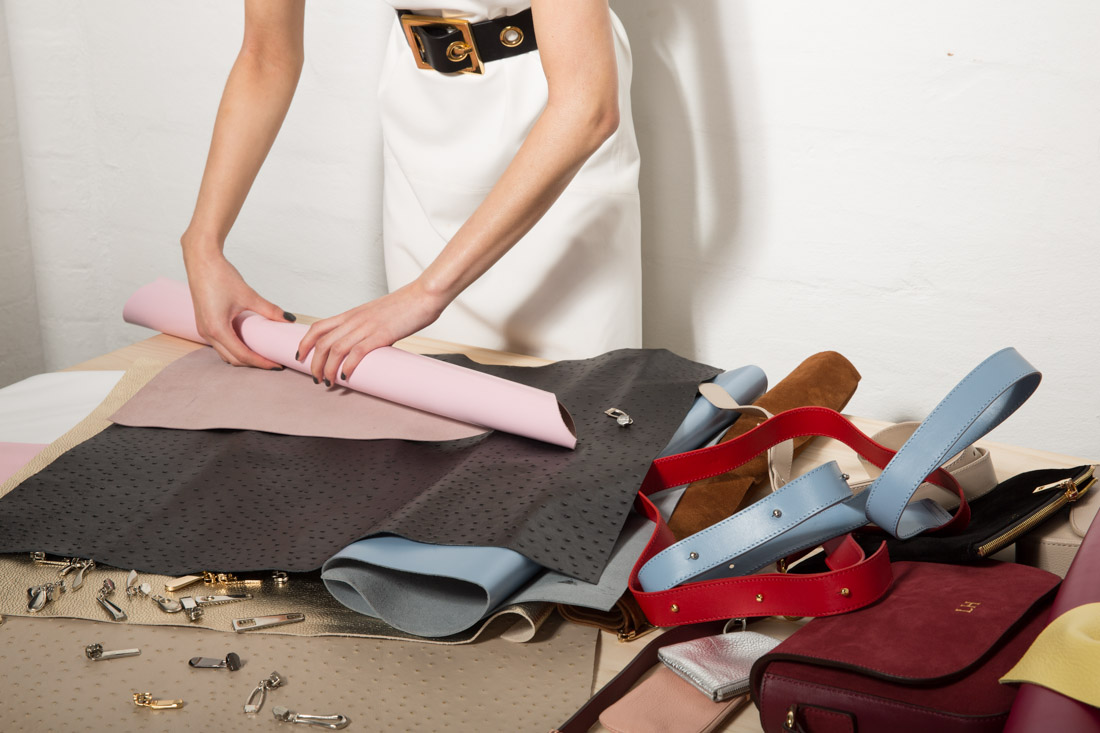 @alleygirl's cover photo for 'I Become a Designer, Curtsey of Mon Purse ~ Fashion Meets Technology'