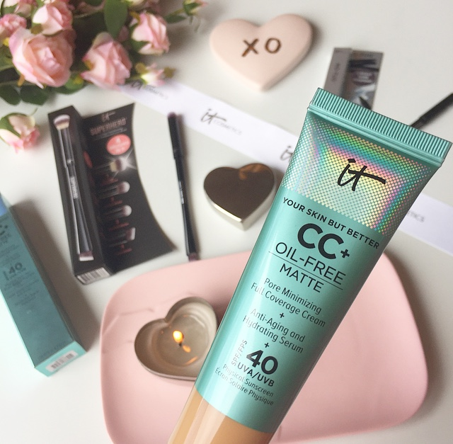 @fabulousandfunlife's cover photo for 'IT Cosmetics CC+ Cream Review: Oil-Free Matte Version - Fabulous and Fun Life'