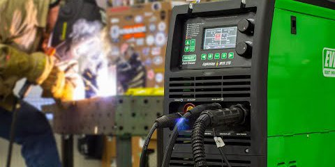 @welddotcom's cover photo for 'Everlast Lightning MTS 275: Stick Welding Review'