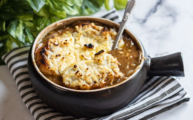 @joeysplate.lmp8's cover photo for 'Vegan french onion soup - Joey's plate'