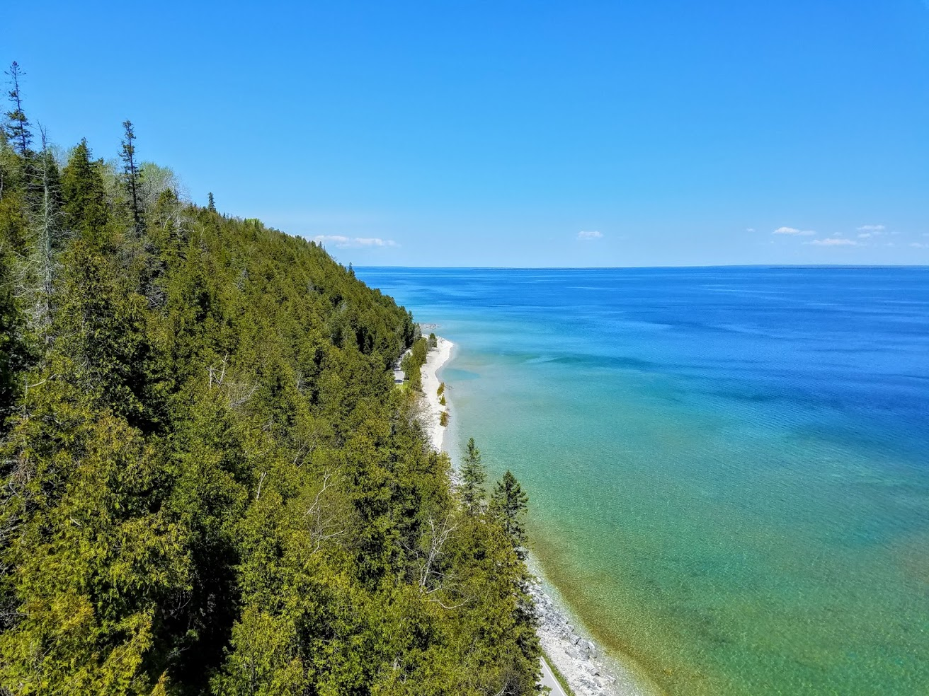 @jeanatravels's cover photo for 'How to Have the Most Epic Summer Road Trip in Michigan'
