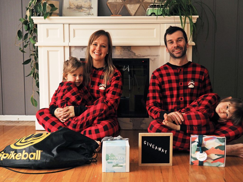 @borntobeadventurous's cover photo for 'Holiday gifts for the whole family (+Giveaway)'
