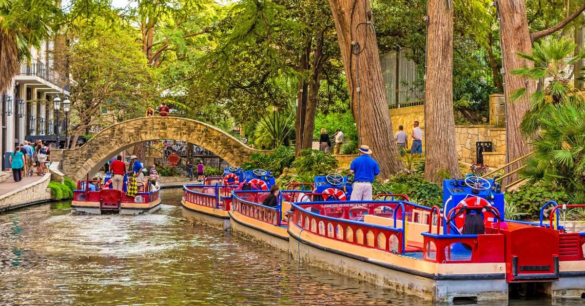 @guide2travel.ca's cover photo for 'Did you know you could take a canal boat ride in Texas?'