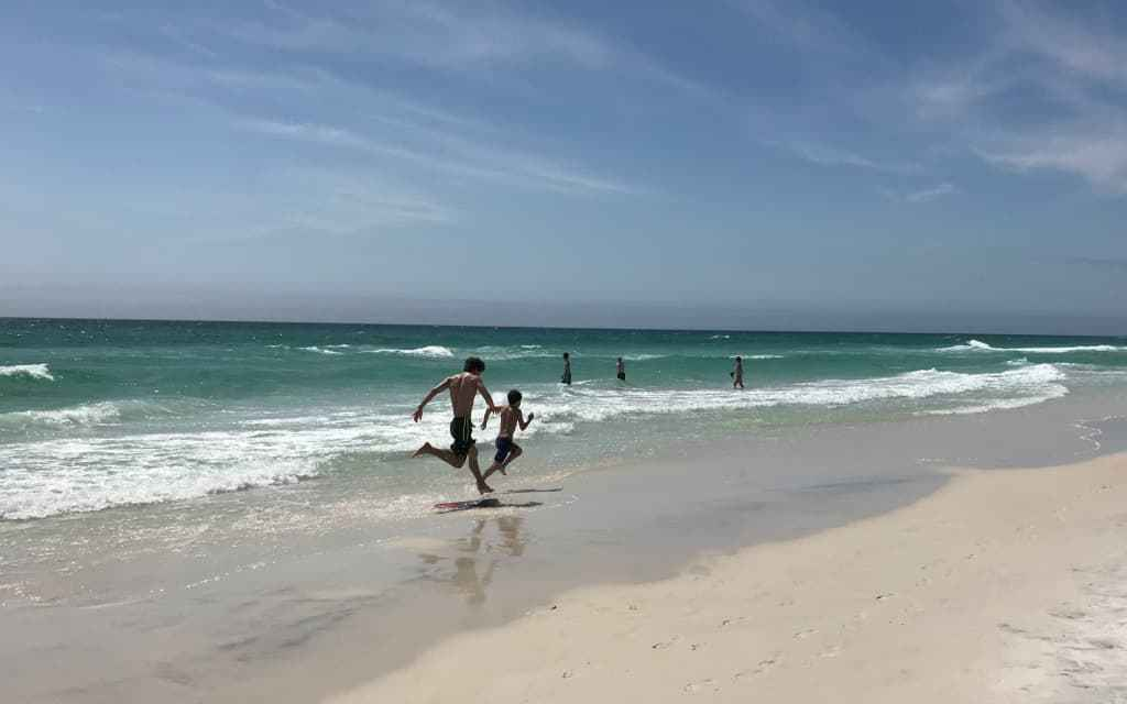 @mommytravels's cover photo for 'Panama City Beach Travel Guide'