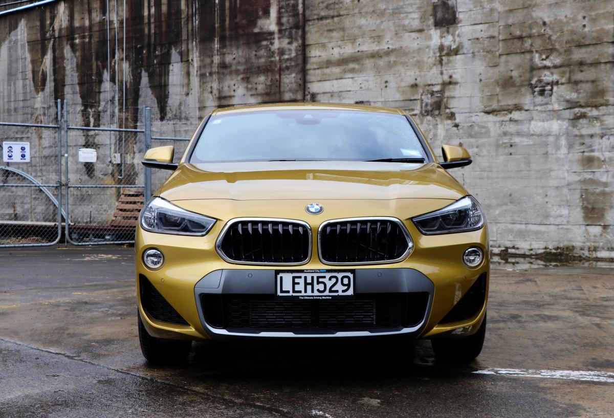 @twodarkcoffees's cover photo for '2018 BMW X2'