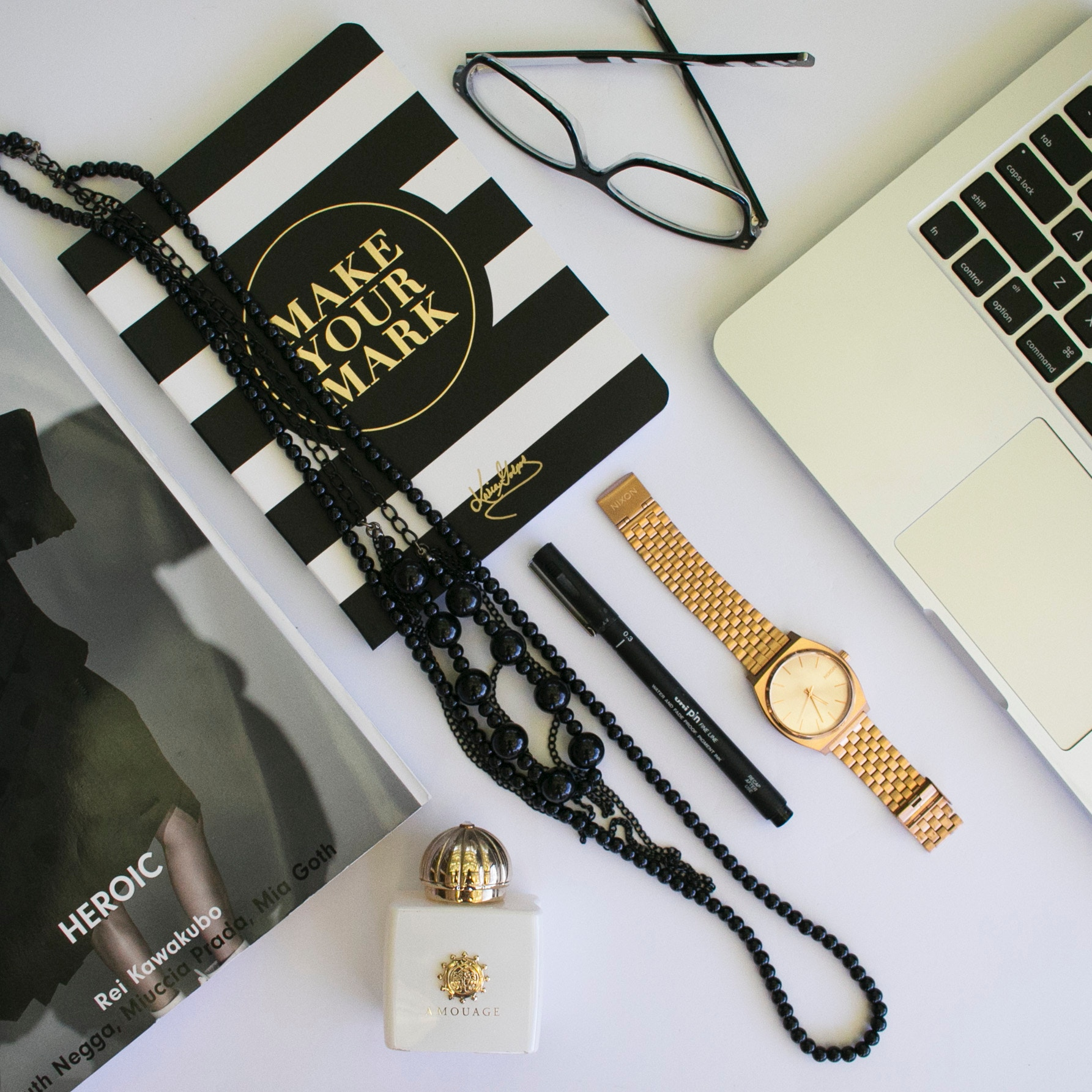 @sonialuxing's cover photo for 'Online Shopping Tips | Sonia Luxing'
