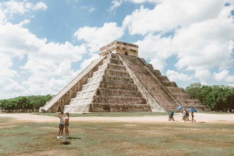 @livemoretravelmore's cover photo for '10 best things to do and to see in the Yucatán Peninsula'