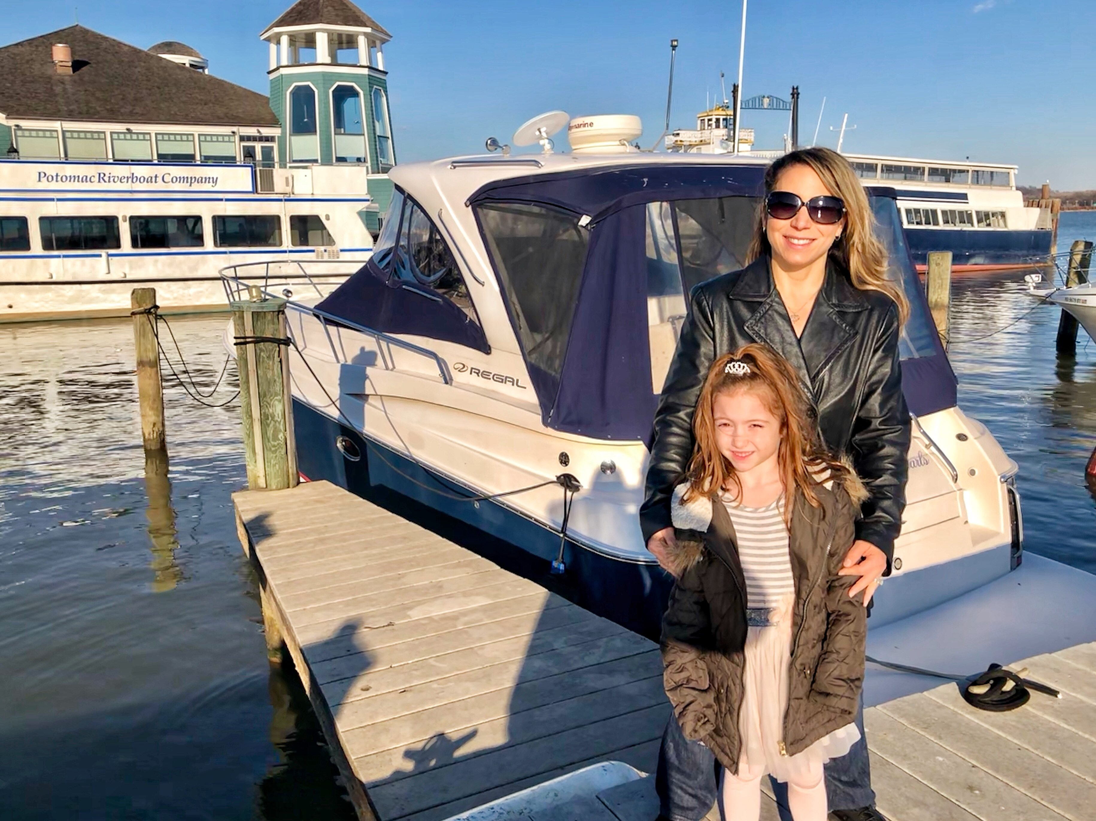 @funfitnessfam's cover photo for 'Epic Mommy and Me Day Trip in Old Town, Alexandria, Virginia'