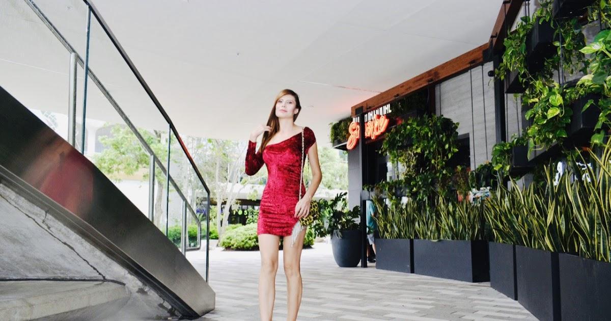 @milena_narciso_official's cover photo for 'Velvet asymmetric dress'