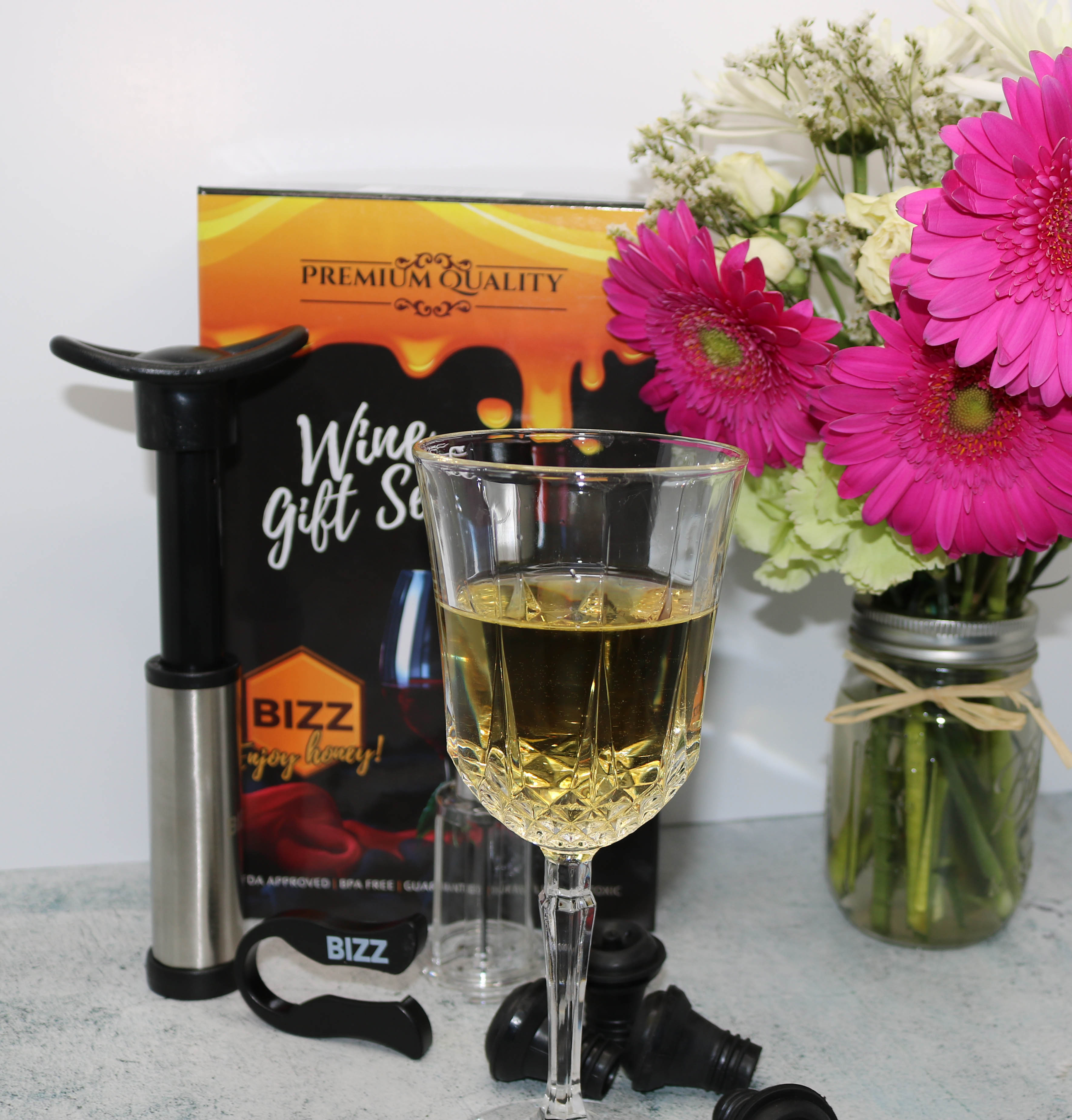@iamkristinleigh's cover photo for 'It's Wine Night with Bizz!'