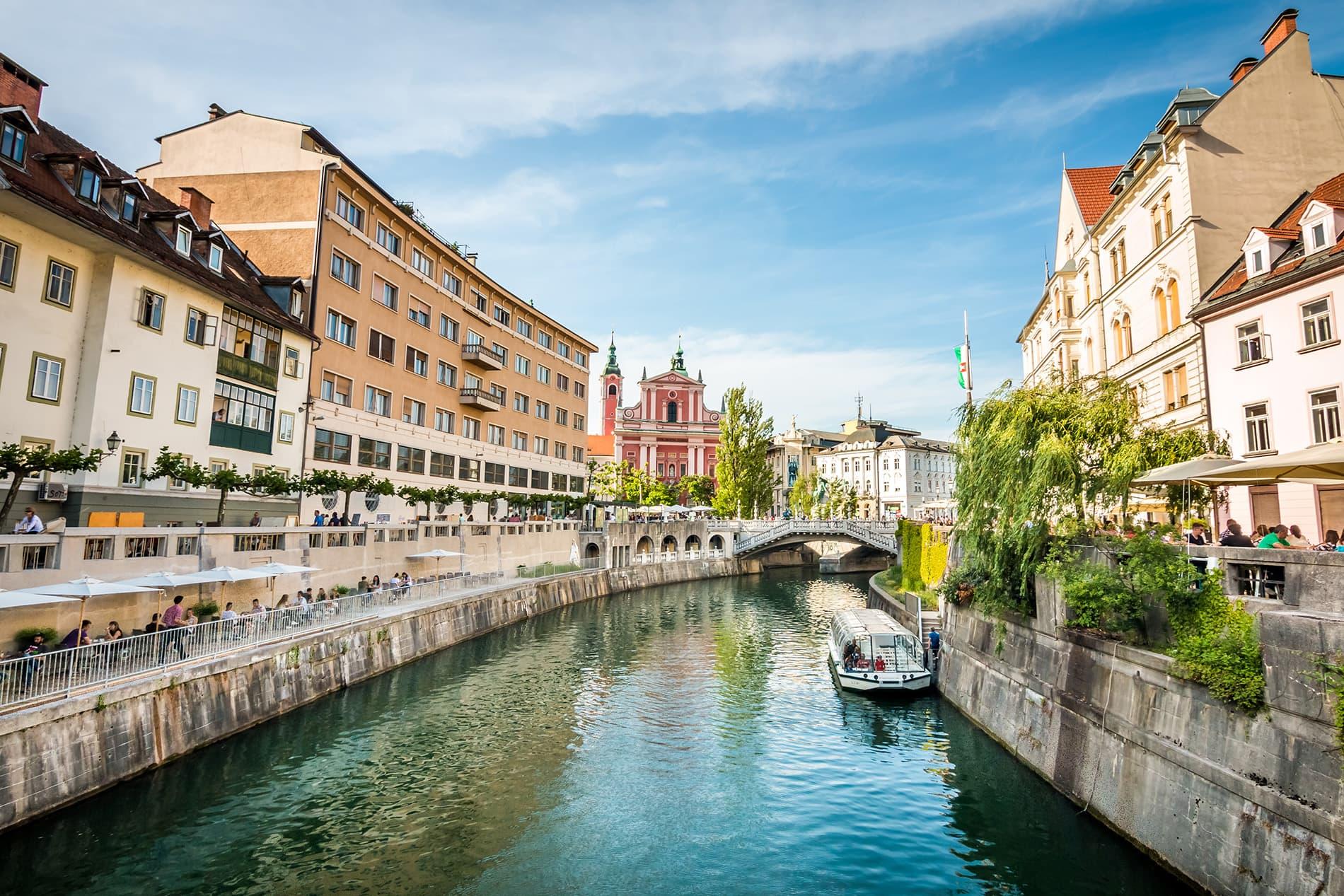 @espreitaromundo's cover photo for 'Liubliana: o que ver na capital da Eslovénia - Espreitar o Mundo'