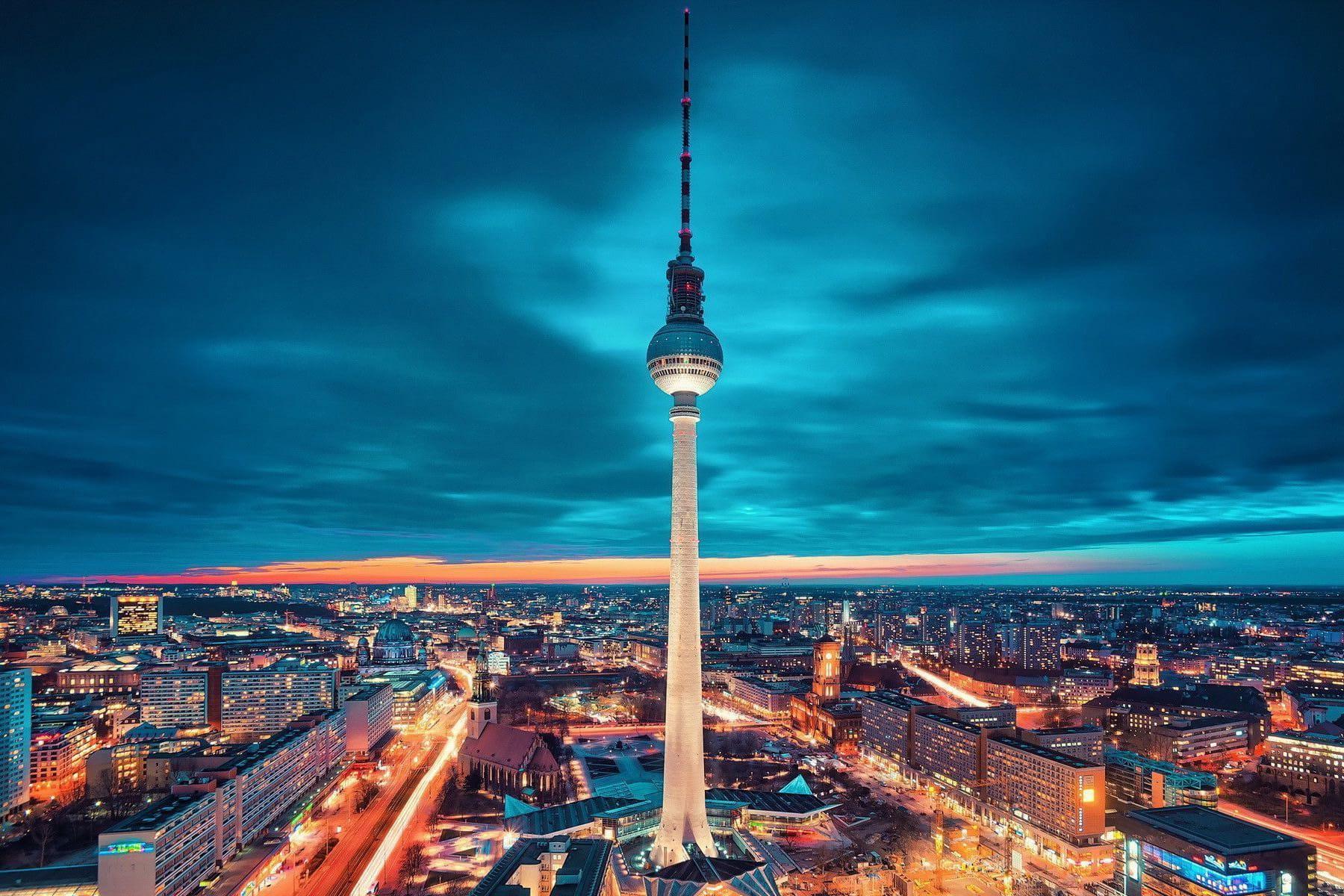 @espreitaromundo's cover photo for 'Berlim, o que ver e fazer na capital alemã - Espreitar o Mundo'