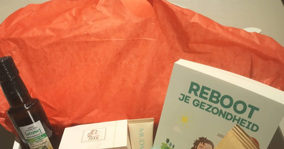 @seadbeady's cover photo for 'Review about the Jouwbox - Christmas Edition Gift Box - Natural health products'