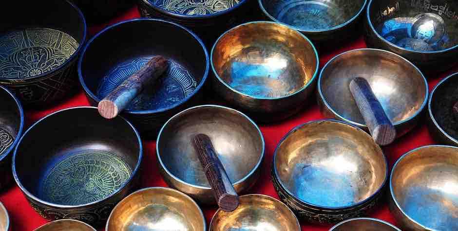 @itibettravel's cover photo for 'Tibetan Singing bowls'