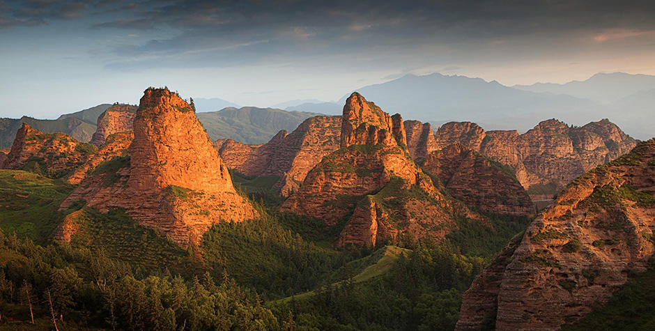 @itibettravel's cover photo for 'Red Rocks and Monasteries'