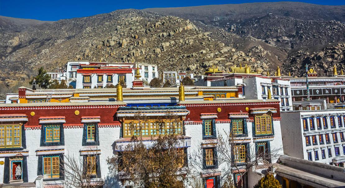 @nomadictibet's cover photo for 'Drepung Monastery'